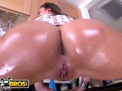 BANGBROS - Big Butt White Girl Kelsi Monroe Does Anal And It's Awesome